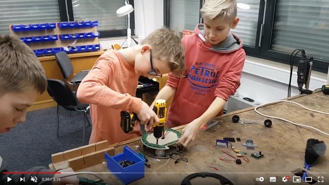 2019 Bohlebots Robotik AG Youtube Video Apostore Nav