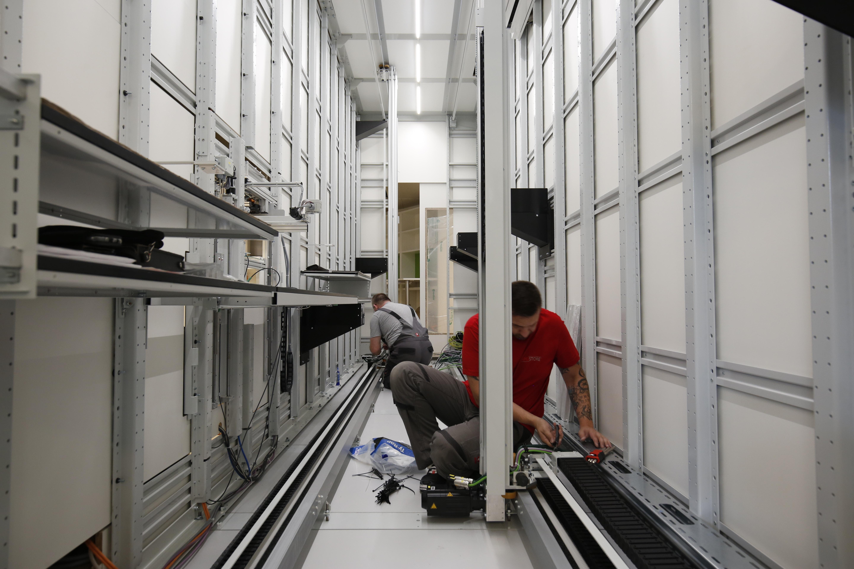 Apostore Kommissionierautomat Apotheke Overwiening Innenaufbau
