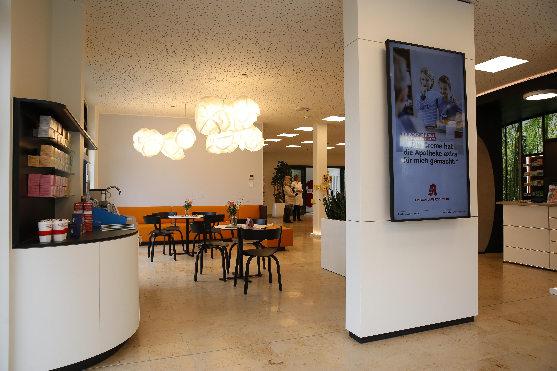 Apostore Kommissionierautomat Apotheke Overwiening Wartebereich
