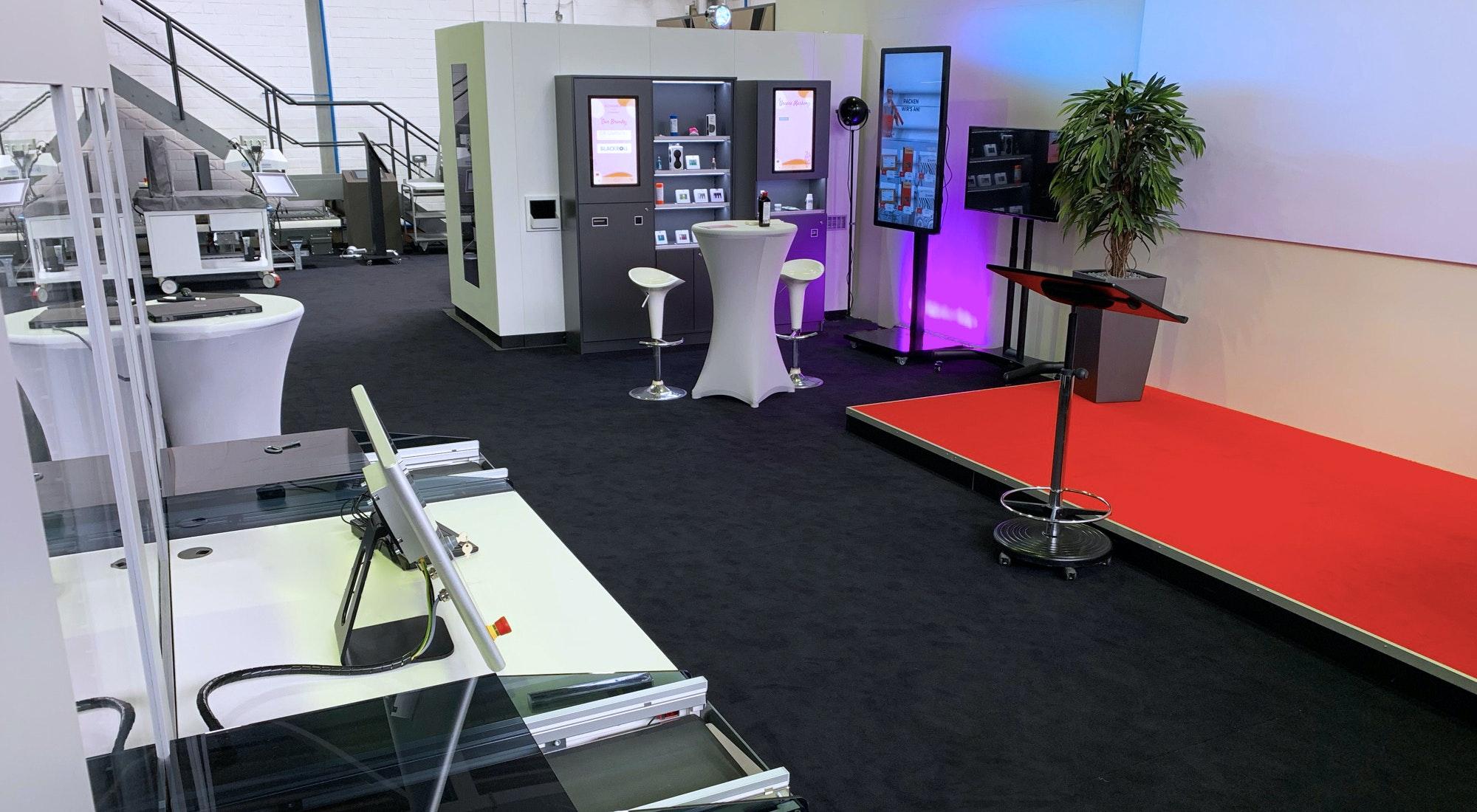 Knapp Smart Solutions Apostore Showroom Active Shelf Sichtwahl IMG 4103